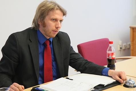 Linnavolikogu esimees Jaanus Karilaid on haaranud endale koha kolmes nõukogus. Foto: Arvo Tarmula