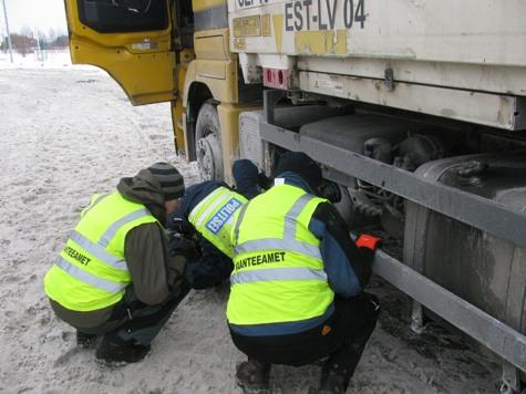 Moment 2012. aastal toimunud raskeveokite kontrollreidist.  Foto: PPA