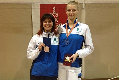 Katrina Lehis (paremal) koos oma treeneri Helen Nelis-Naukasega. Foto: vehklemisliit