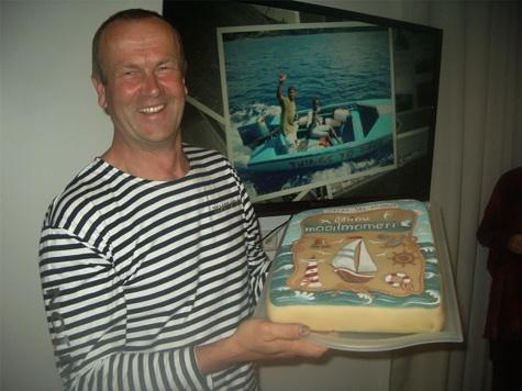 """31. jaanuari õhtul räägib Uku Randmaa üksinda ümber maailma purjetamise kogemusest. Pildil on ta oma raamatu """"Minu maailmameri"""" esitlusel 27. septembril 2012. Foto: Petrone Print"""