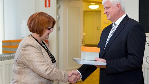 Aliide Hints sai Läänemaa aasta tööandja tunnustuse töötukassalt kätte möödunud nädalal. Foto: töötukassa