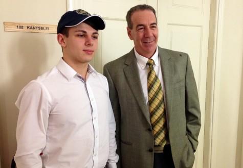 USA suursaadik Jeffrey D. Levine (paremal) koos teda Haapsallu kutsunud Kristjan Tedremaaga. Foto: Arvo Tarmula