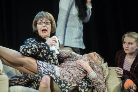 Rakvere_Teater_8_armastavat_naist_1600_3