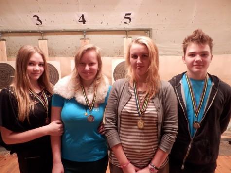 Pronks Kerli Neljas (vasakult), pronks Lydia Kurus, kolmekordne kuld Kaisa Kuusik, pronks Henry Viira. Foto: Mati Seppi