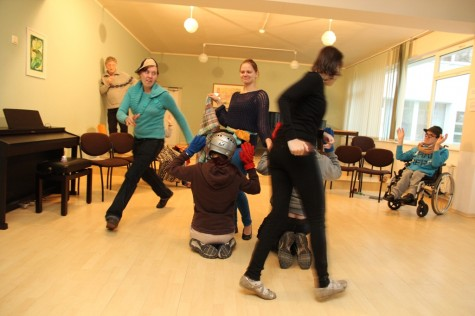 Sotsiaalmaja teatritrupp 200