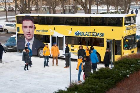 reformikate kohvik-buss kindlalt edasi