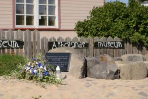 Paadipõgenike mälestusmärk