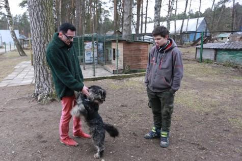 Vabatahtlikud Haapsalu loomade varjupaigas arvo tarmula