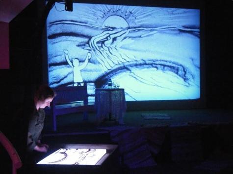 Liivakunstnik Madli Luuk