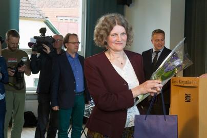 Kirjanike Liit kuulutas Kirjanike Majas välja 2015 a. romaanivõistluse võitjad
