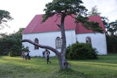 2 Vormsi kirik