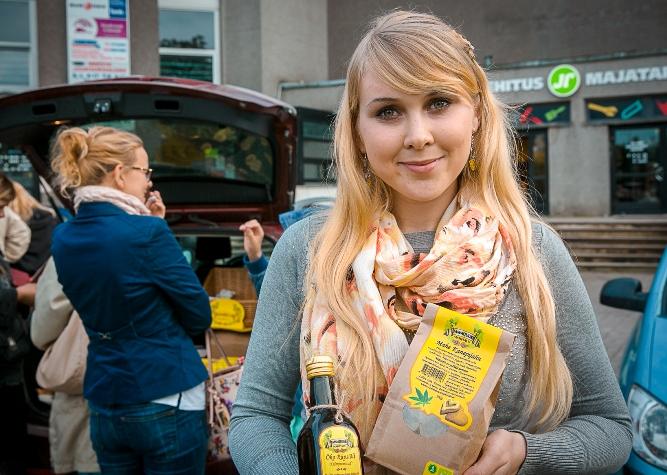 Karin Kuusemaa Tammejuure kanep(2). Foto Eduard Laur