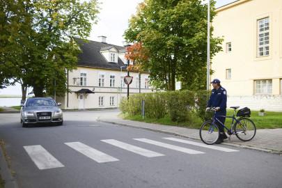 ettevaatust_jalgrattur_f_Merilin_kaustel-lehemets