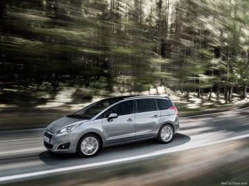 Peugeot-5008_2014_800x600_wallpaper_04