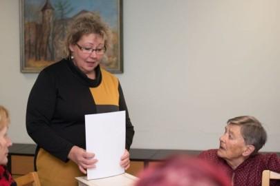 Vabatahtlikud raamatukogus02. Ilme Sepp, Viive Etverk. Merilin Kaustel-Lehemets