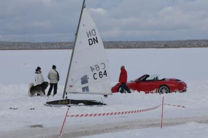 Porsche ja jääpurjekas Noarootsi jääteel (ARVO TARMULA) (5)