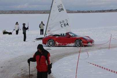 Porsche ja jääpurjekas Noarootsi jääteel (ARVO TARMULA) (6)