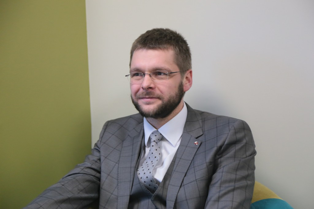 Ossinovski: apteegireformi peatamine haiseb korruptsiooni järele igast otsast