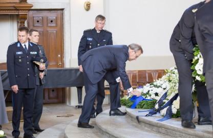 Piirivalvurite matusetseremoonia Kaarli kirukus 8peeter langovits) (13)