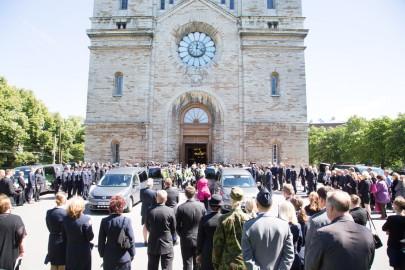 Piirivalvurite matusetseremoonia Kaarli kirukus 8peeter langovits) (39)