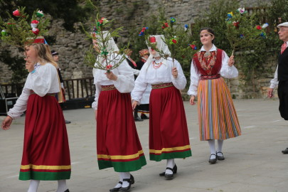 eestirootsi tantsupidu tarmula 12