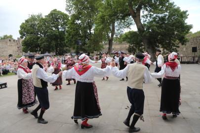 eestirootsi tantsupidu tarmula 16