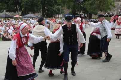 eestirootsi tantsupidu tarmula 17