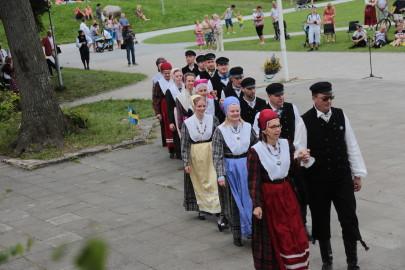 eestirootsi tantsupidu tarmula 20