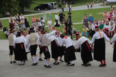 eestirootsi tantsupidu tarmula 24