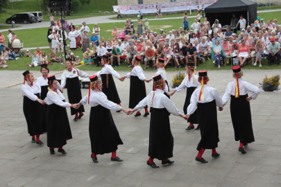 eestirootsi tantsupidu tarmula 28