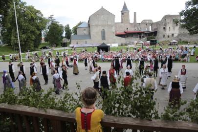 eestirootsi tantsupidu tarmula 32