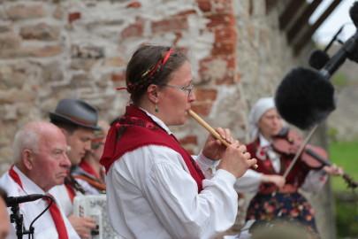 eestirootsi tantsupidu tarmula 33