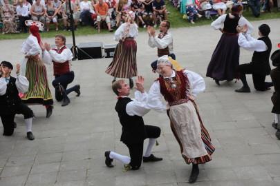 eestirootsi tantsupidu tarmula 36
