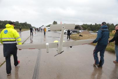 Hanko droon maandus Kiltsi lennuväljal Arvo Tarmula21