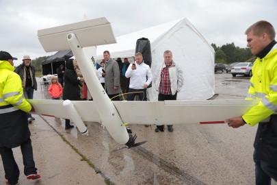 Hanko droon maandus Kiltsi lennuväljal Arvo Tarmula23
