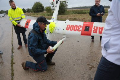 Hanko droon maandus Kiltsi lennuväljal Arvo Tarmula26