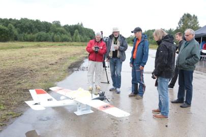 Hanko droon maandus Kiltsi lennuväljal Arvo Tarmula47