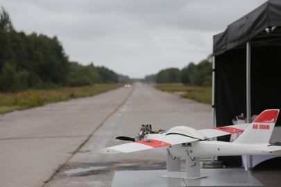 Hanko droon maandus Kiltsi lennuväljal Arvo Tarmula52