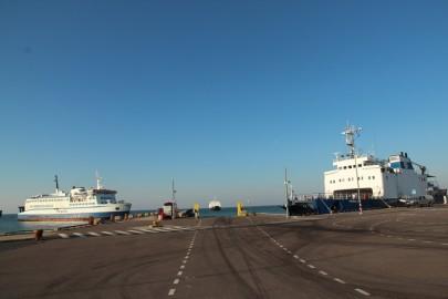 Madal meri Rohuküla sadamas 076