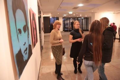 LÜGi Warholi näitus. Tarmula11