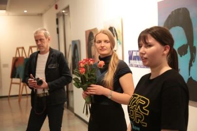LÜGi Warholi näitus. Tarmula28