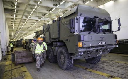 Brittide lahingutehnika saabumine Eestisse.22.01 (2)