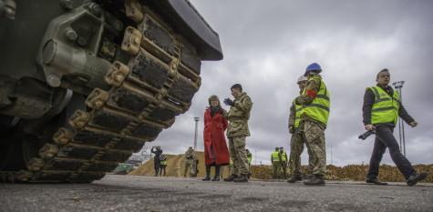 Brittide lahingutehnika saabumine Eestisse.22.01 (23)
