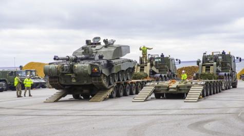 Brittide lahingutehnika saabumine Eestisse.22.01 (26)