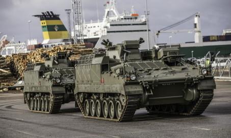 Brittide lahingutehnika saabumine Eestisse.22.01 (9)