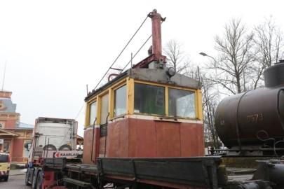 Raudteemuuseumi veeremi toomine Haapsallu. Tarmula15