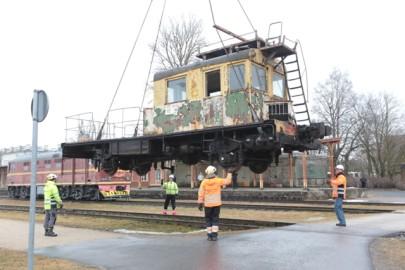 Raudteemuuseumi veeremi toomine Haapsallu. Tarmula26