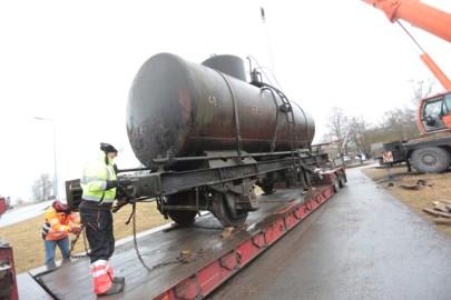 Raudteemuuseumi veeremi toomine Haapsallu. Tarmula38
