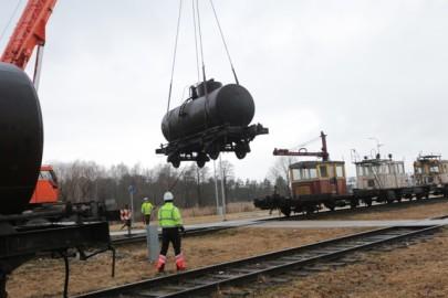 Raudteemuuseumi veeremi toomine Haapsallu. Tarmula45