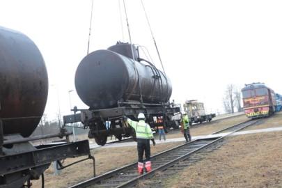 Raudteemuuseumi veeremi toomine Haapsallu. Tarmula46